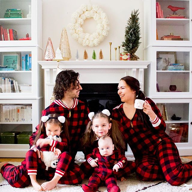If you're thinking of getting matching PJs for the family this #holiday season, check out @lazymoms' cute Canadiana PJs from @WalmartCanada! So cute and so cozy! #ClientLove #holidays #warm #cozy #family #festive