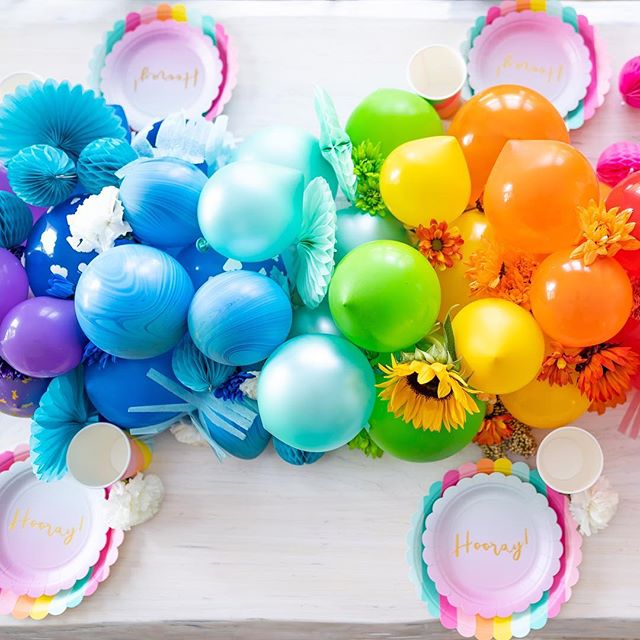 The key to a very happy birthday? Bursts of vibrant colours. @amidst.the.chaos sure knows how to throw a party! Party supplies in every colour of the rainbow, available in-store and online @WalmartCanada  #ClientLove #party #partysupplies #vibrant #colours #fun #rainbow
